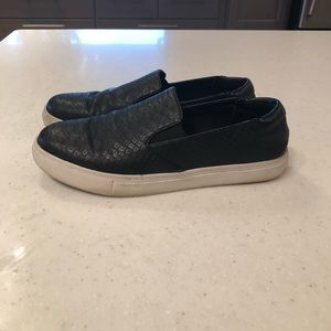Kenneth Cole Black leather sneakers size 8